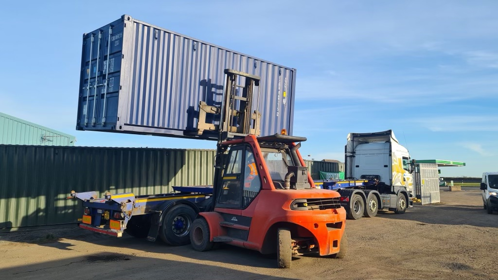 highway_logistics_container_transport_north_east2